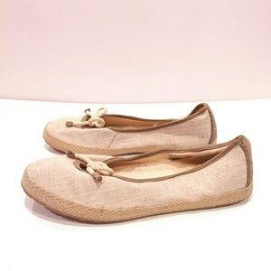Ugg Flats size 9.5 ballet shoes tan linen bow